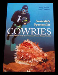 Illustration : couverture du livre : 'Australia's spectacular cowries'.